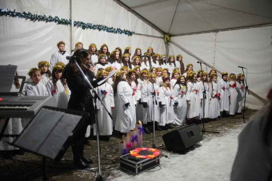 "ADVENT U VALPOVU: NASTUP DJEČJEG ŽUPNOG ZBORA ""MIRJAM"" VAPLOVO"