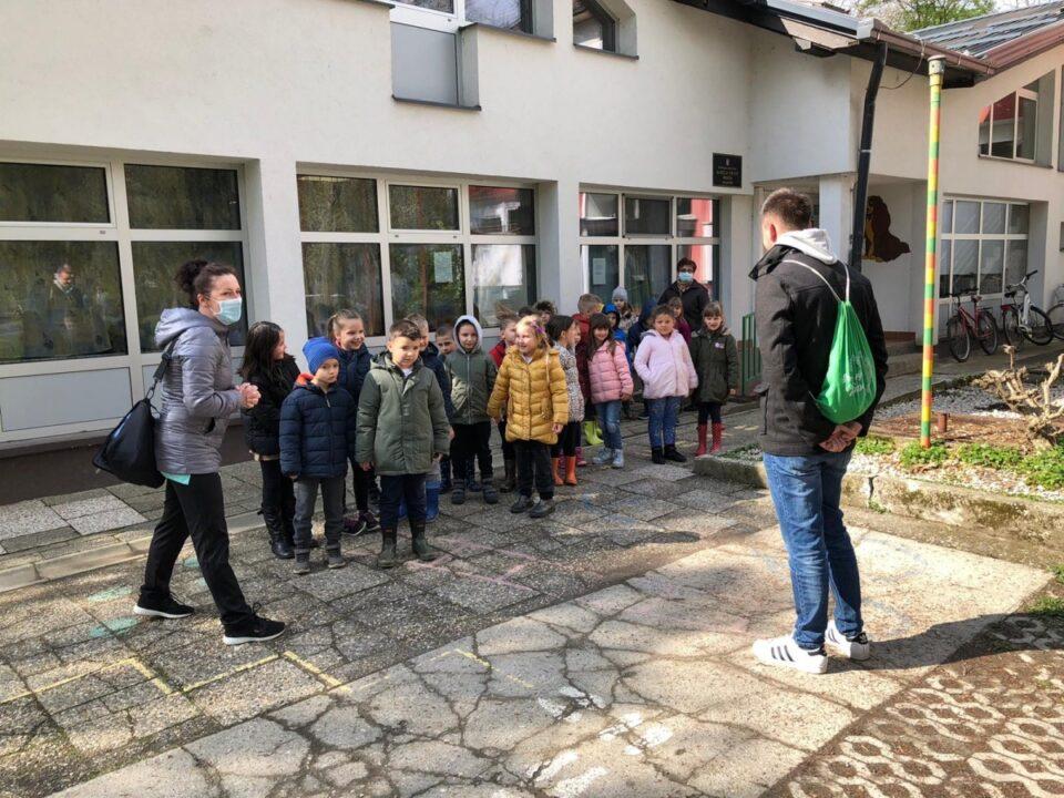 Polaznici vrtića u turističkom obilasku Valpova